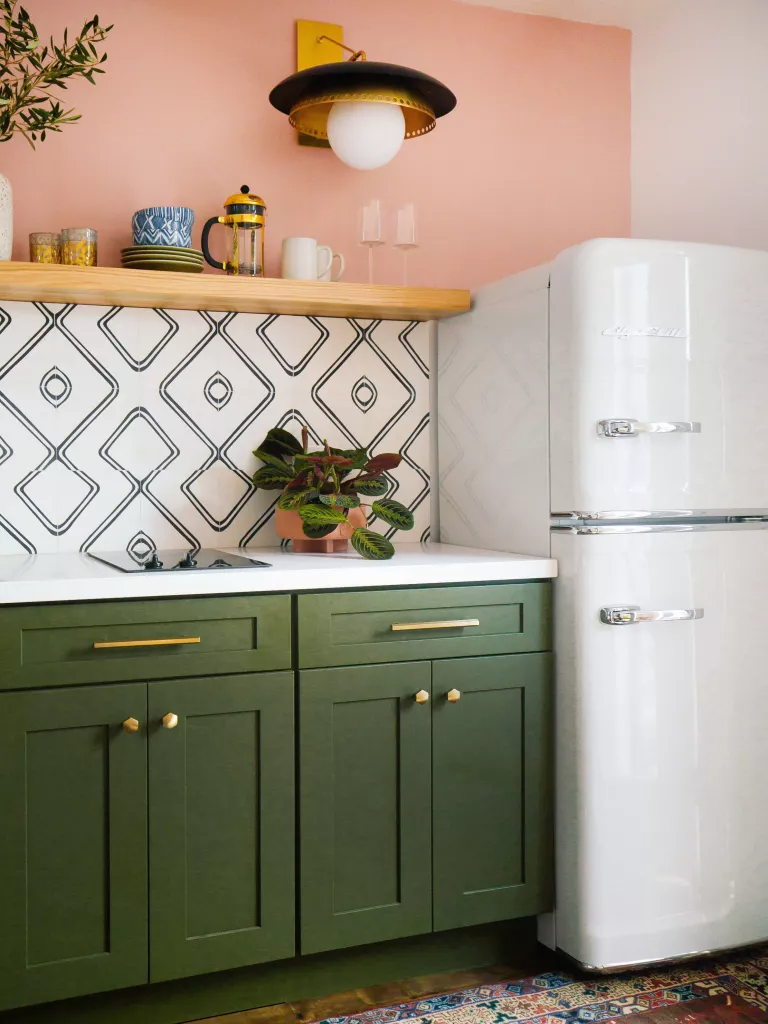 pink and green contrasting kitchen. Image credit: Big Chill