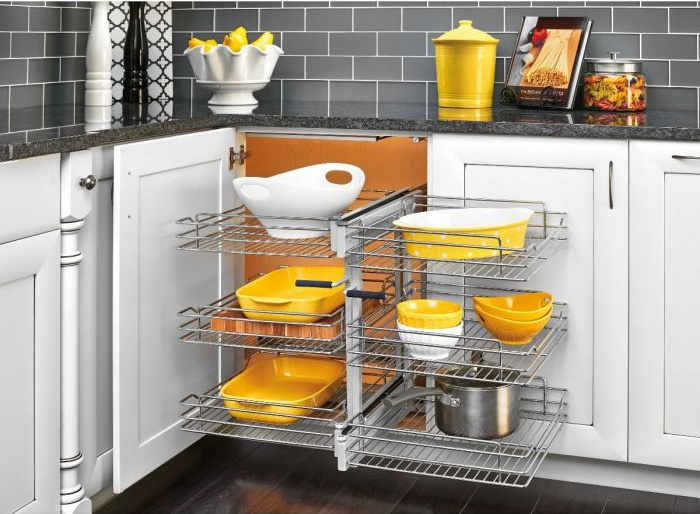pull-out blind cabinet basket