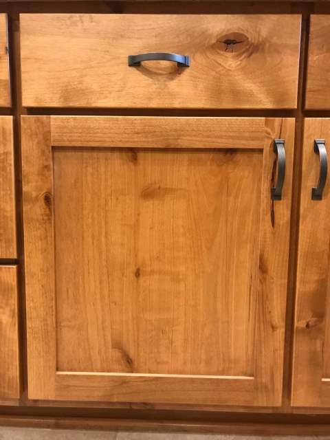Shaker door with Plank drawer front